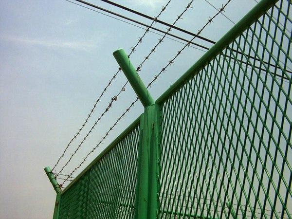 钢板护栏网 (8)